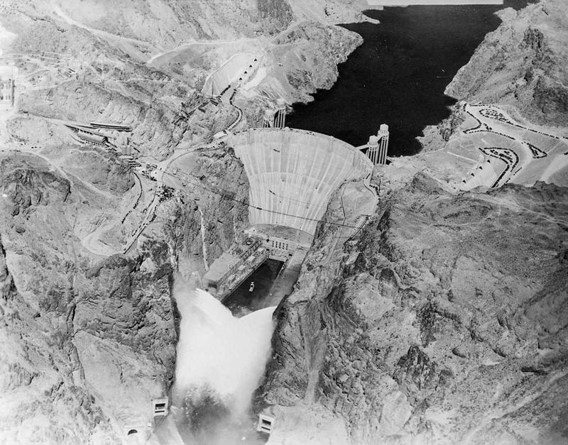 Building the Hoover Dam 1