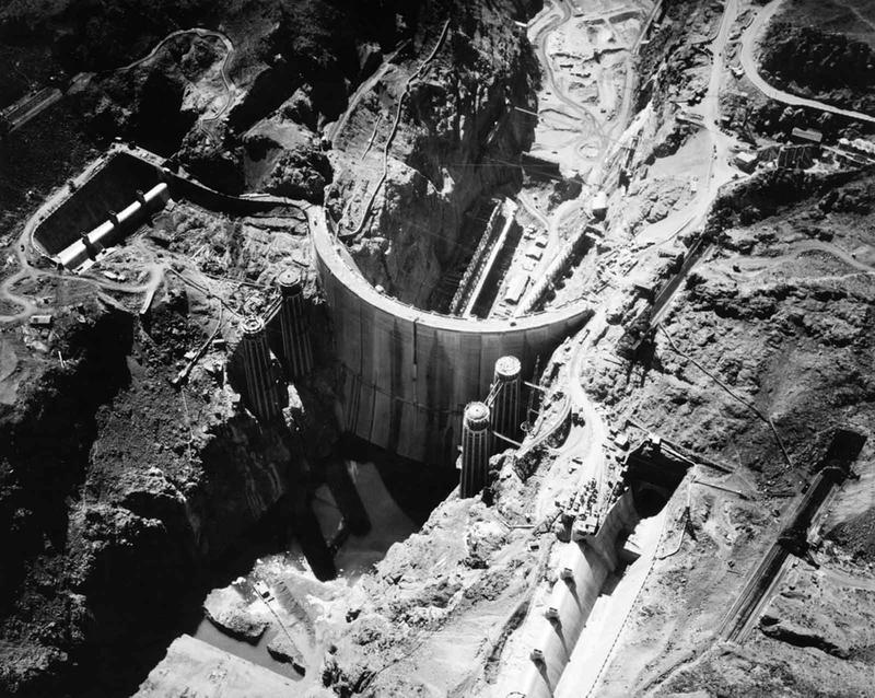 Building the Hoover Dam 24